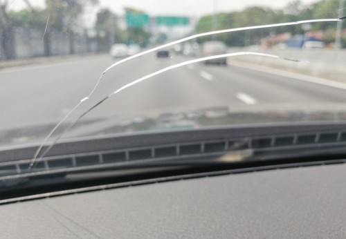 How-to-Repair-Your-Automotive-Glass1